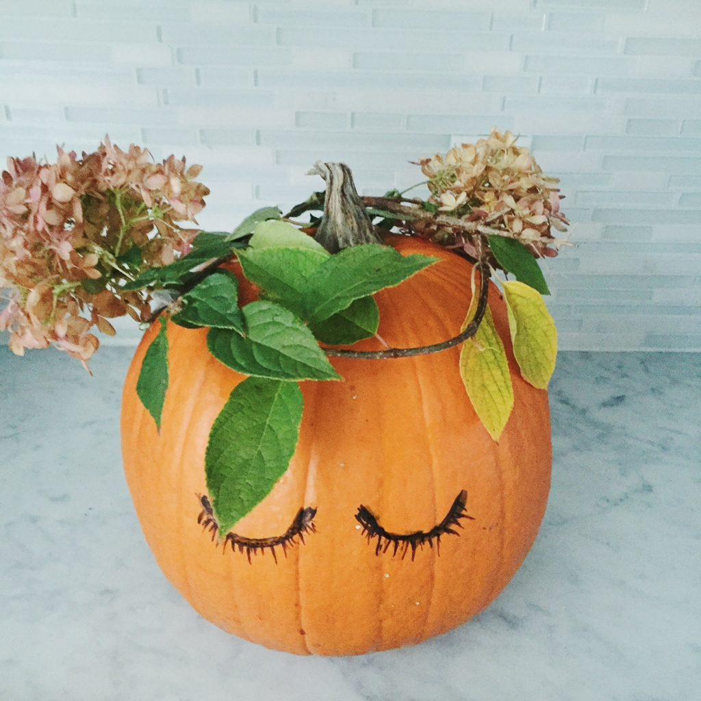 making the flower crown the right size for your pumpkin