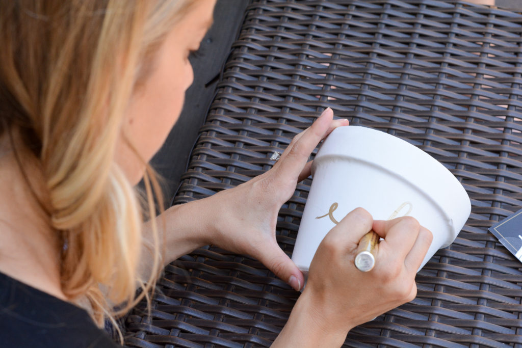 diy terracotta pots - write on pot