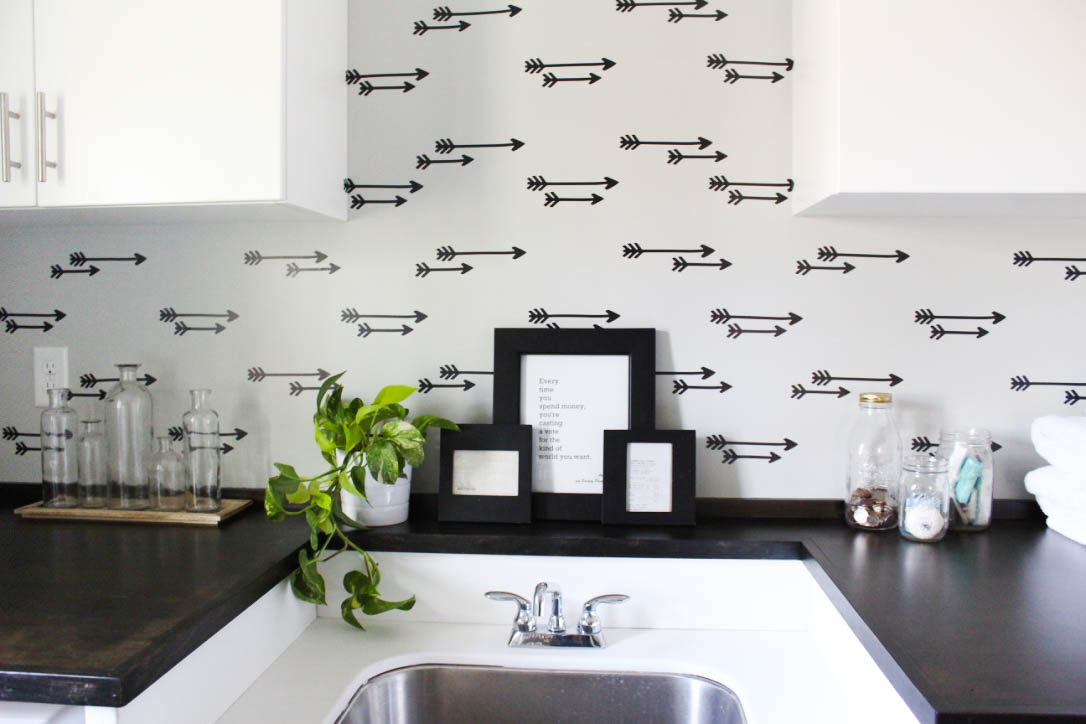 Diy Faux Wallpaper Wall Laundry Room Reveal Paisley
