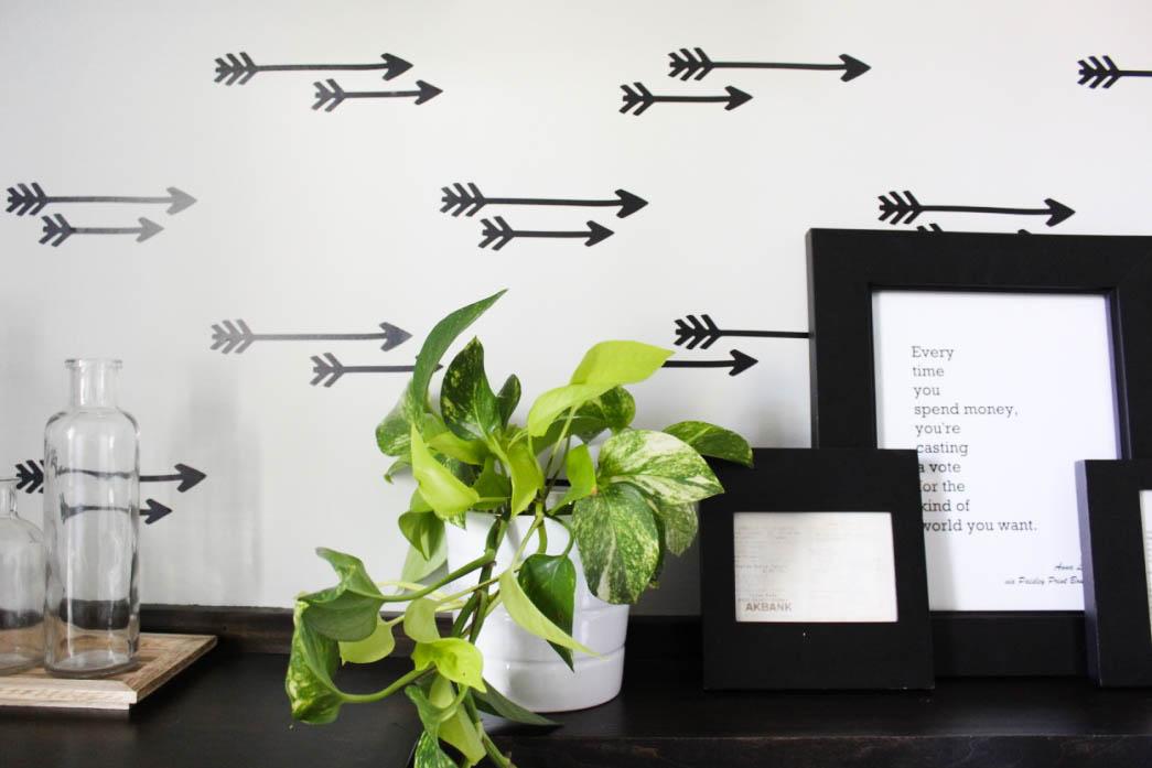 faux arrow wallpaper laundry