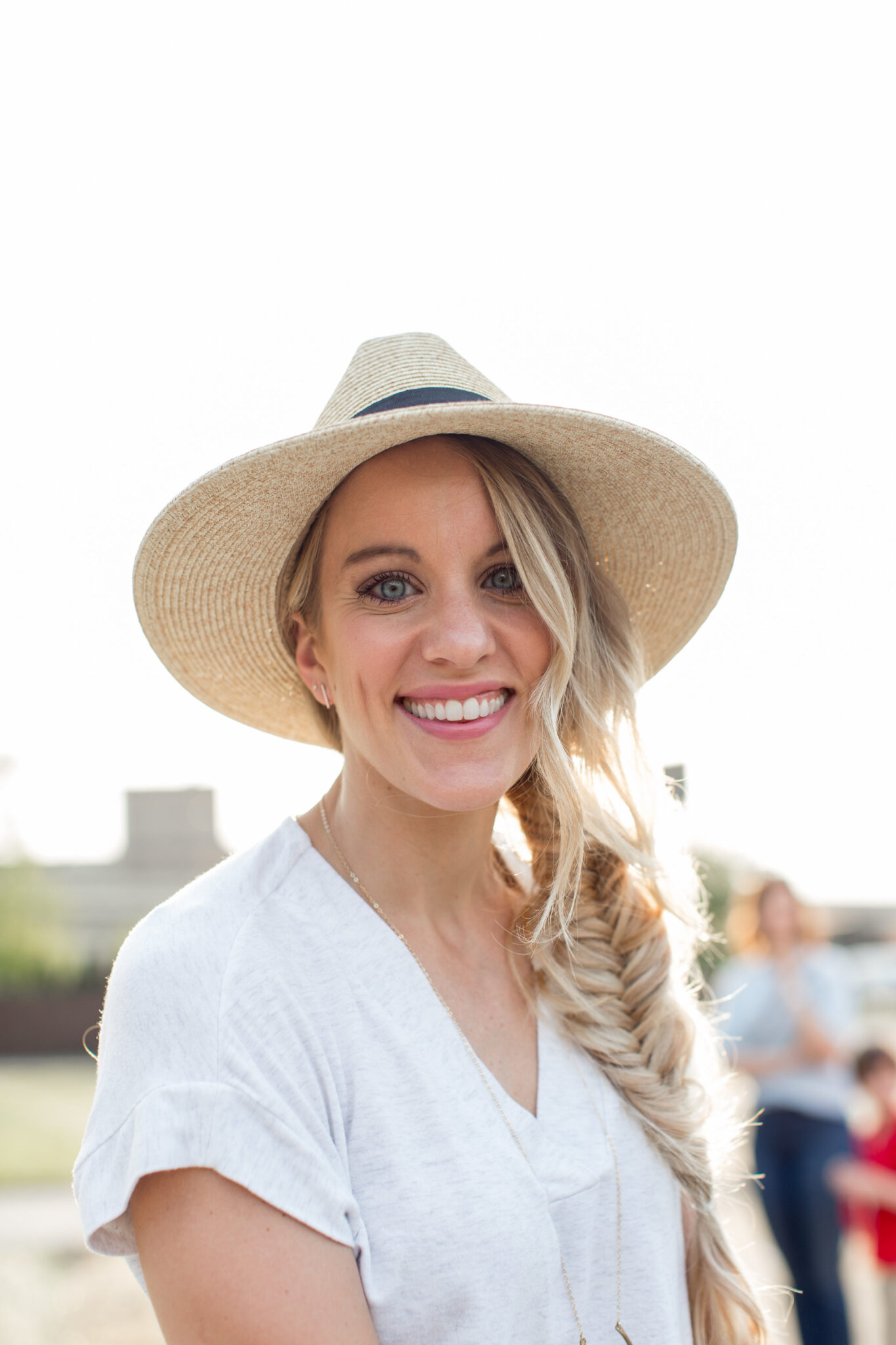 how to do a fishtail braid for begginers- show here with barefoot blonde hair extensions and carly jean hat #fishtail #hairtutorial