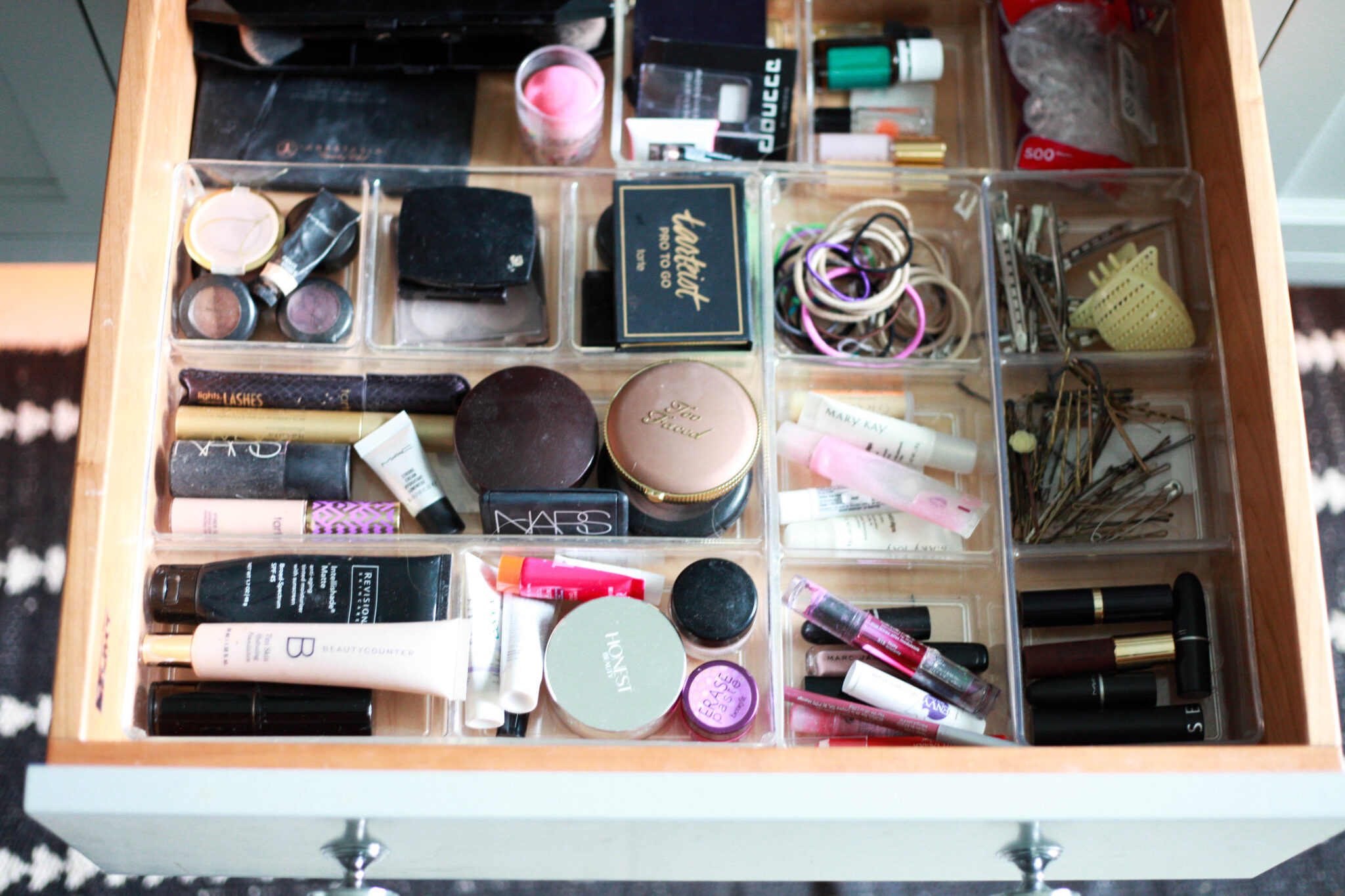Organized Makeup Drawer Organized Makeup Drawer Organized Makeup Drawer