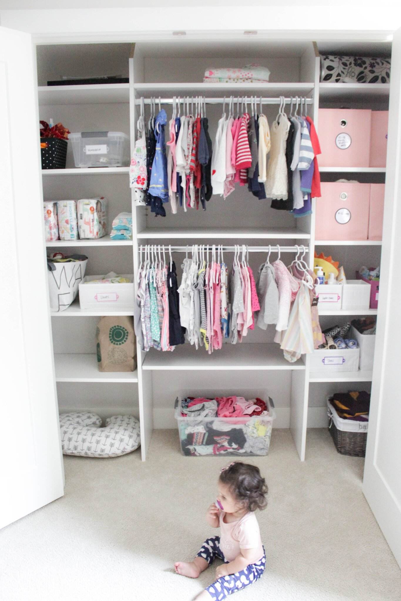 tips for organizing baby's closet in 7 simple steps