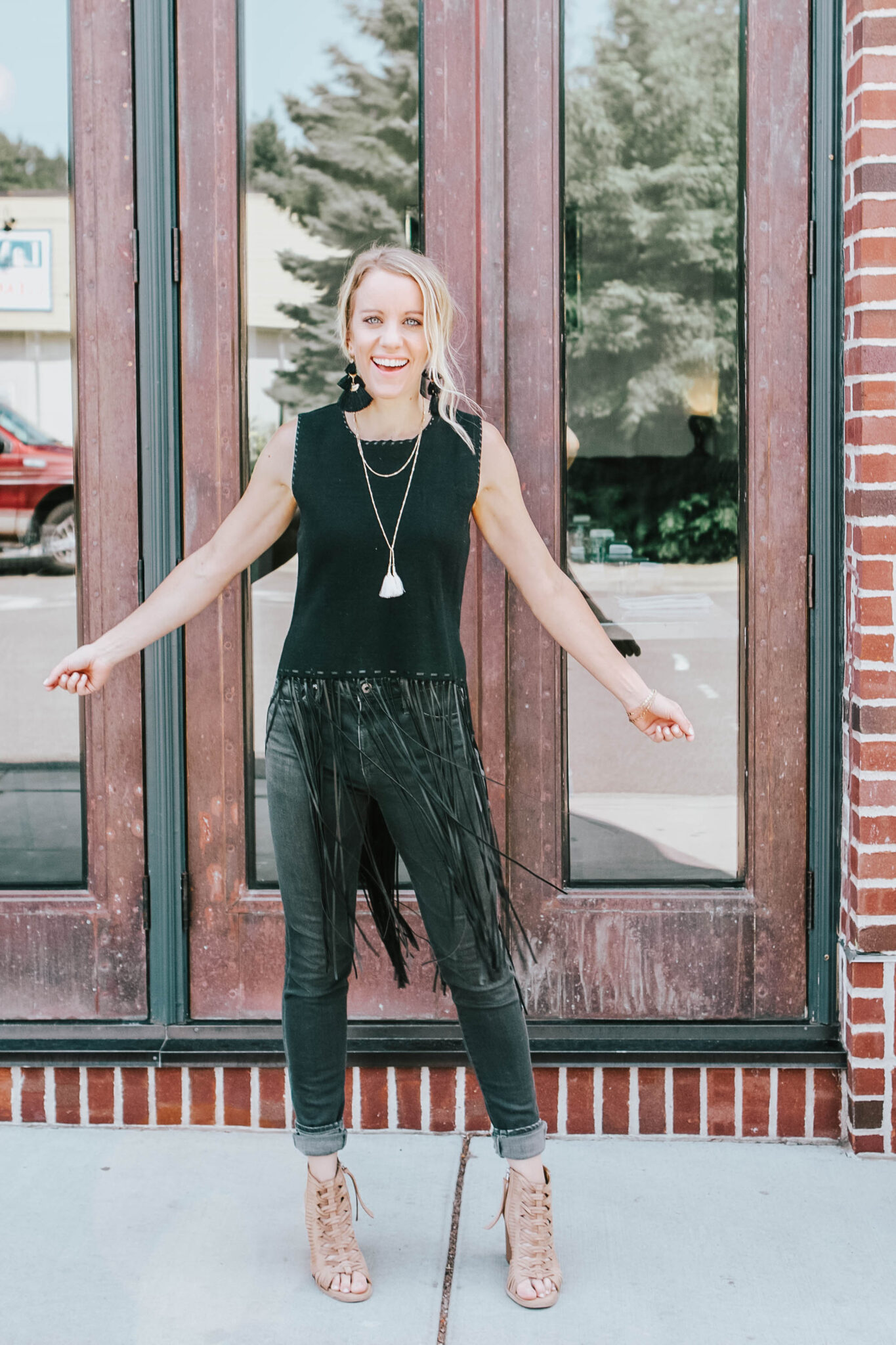 7 questions on how to find your personal style - black fringe tops with tassle earrings and grey skinny jeans