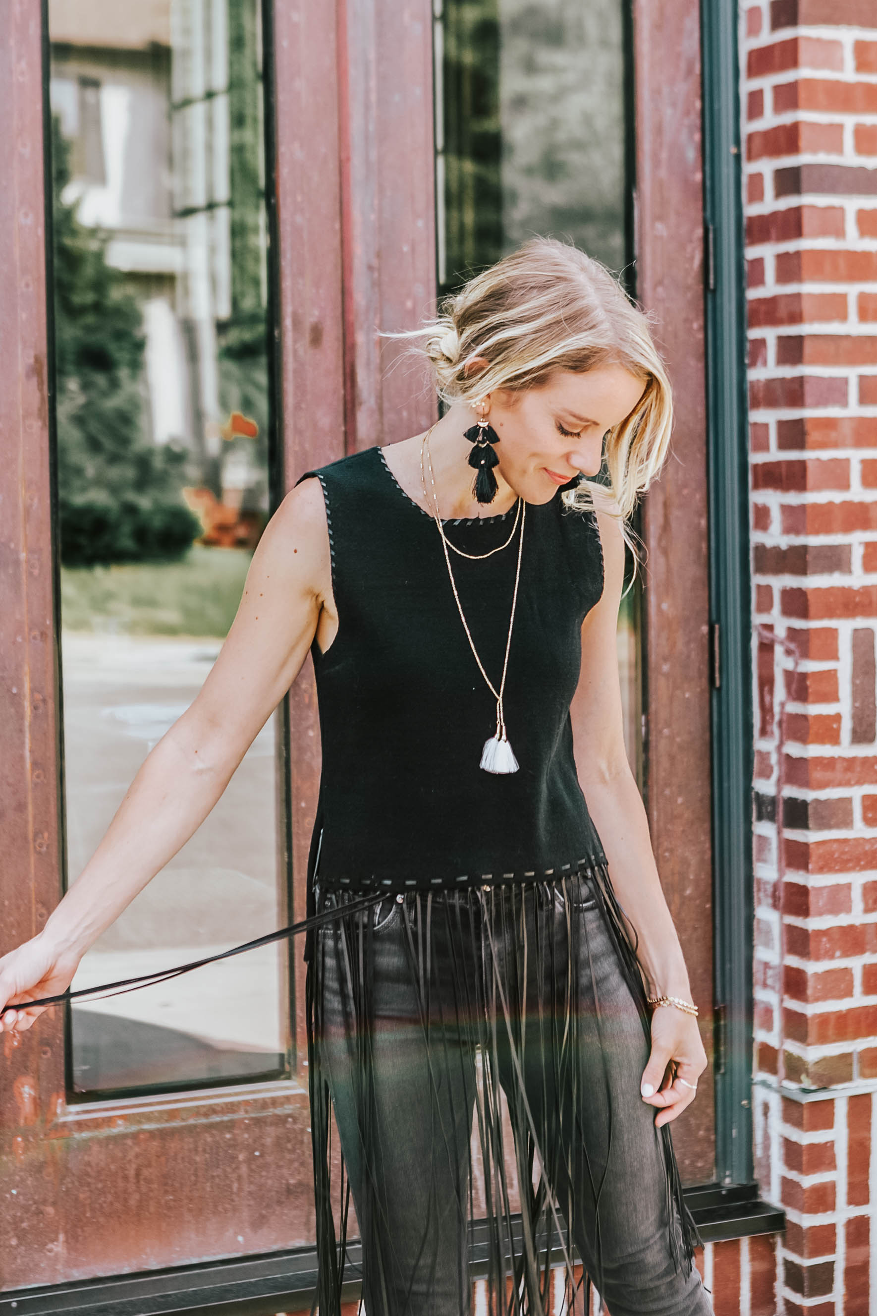 7 questions to find your personal style - black fringe tops with tassel earrings and grey skinny jeans