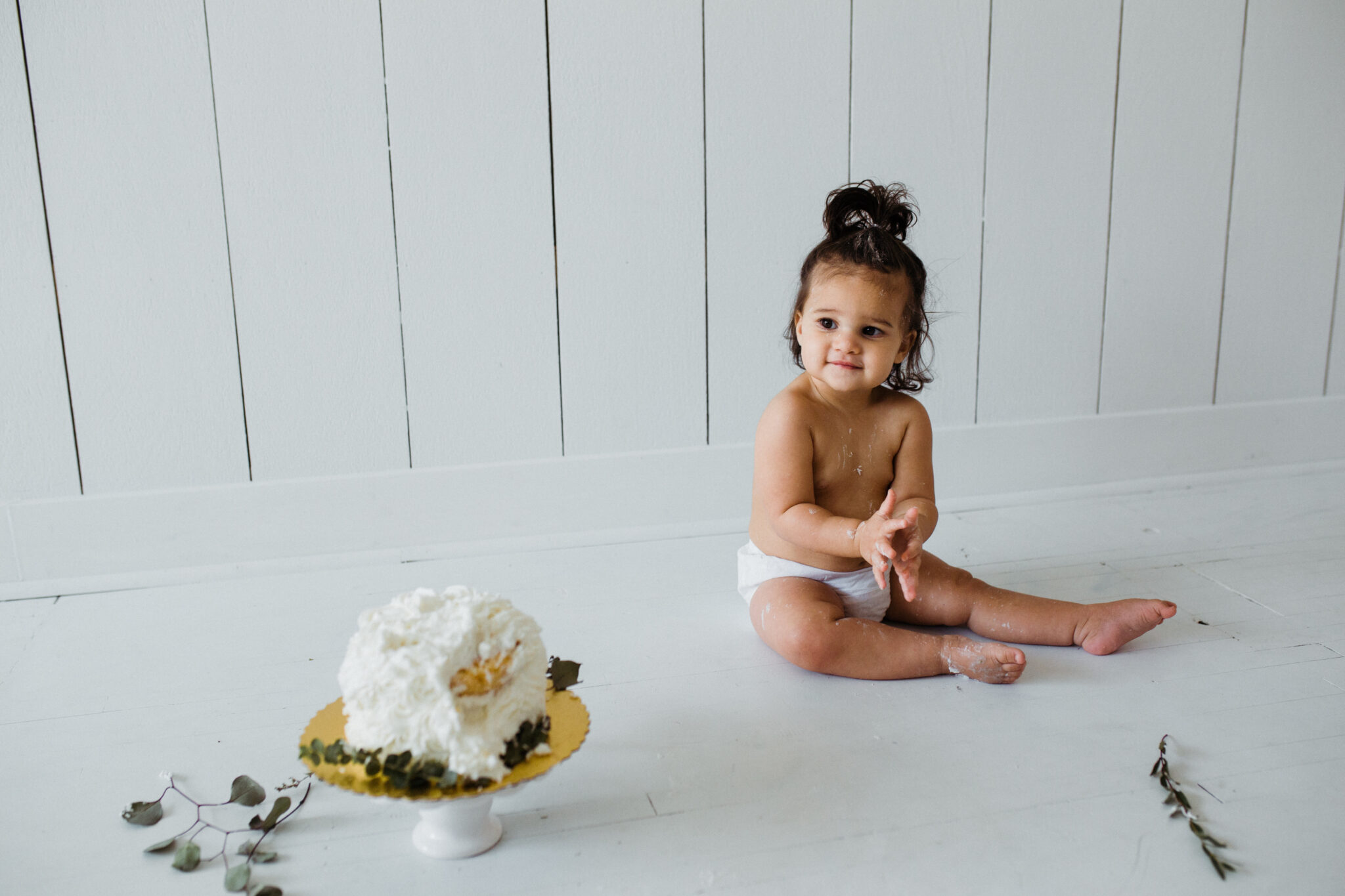 First birthday cake smash #cakesmash #firstbirthday #babygirl