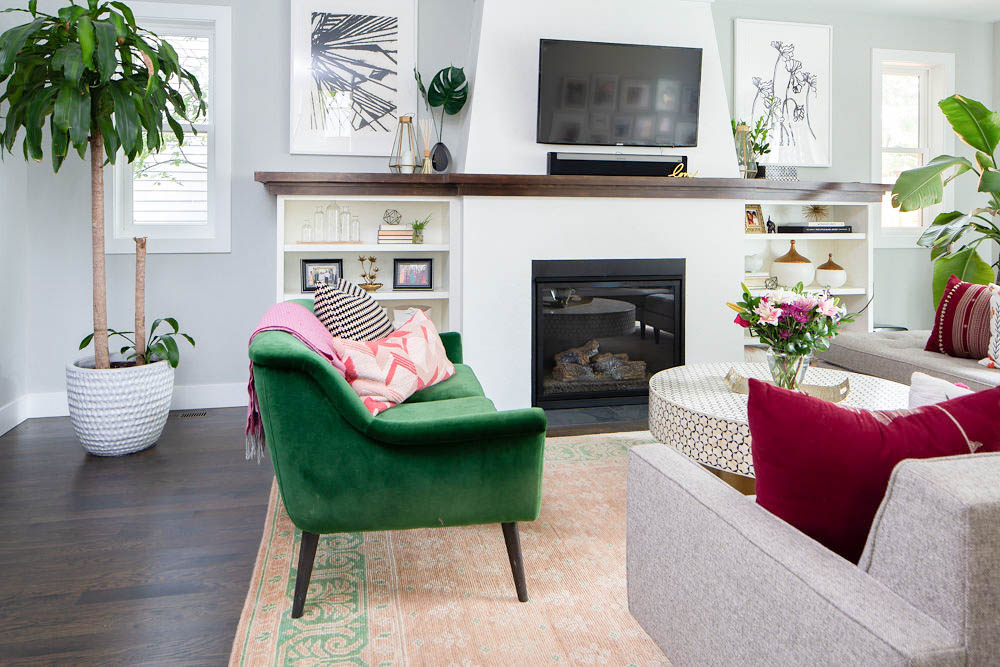 Style your living room using these 5 simple hacks! Including plants is number one in this simple how to. #plants #houseplant #homedecor