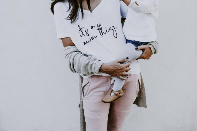 Best Mom Tees on Etsy - Its a mom thing tee. #momtee #momshirt #mamatee