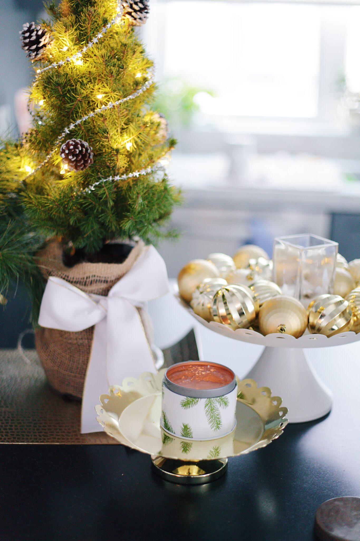 13 Simple Pleasures - Light candles! #winter #frasierfir #simplepleasures
