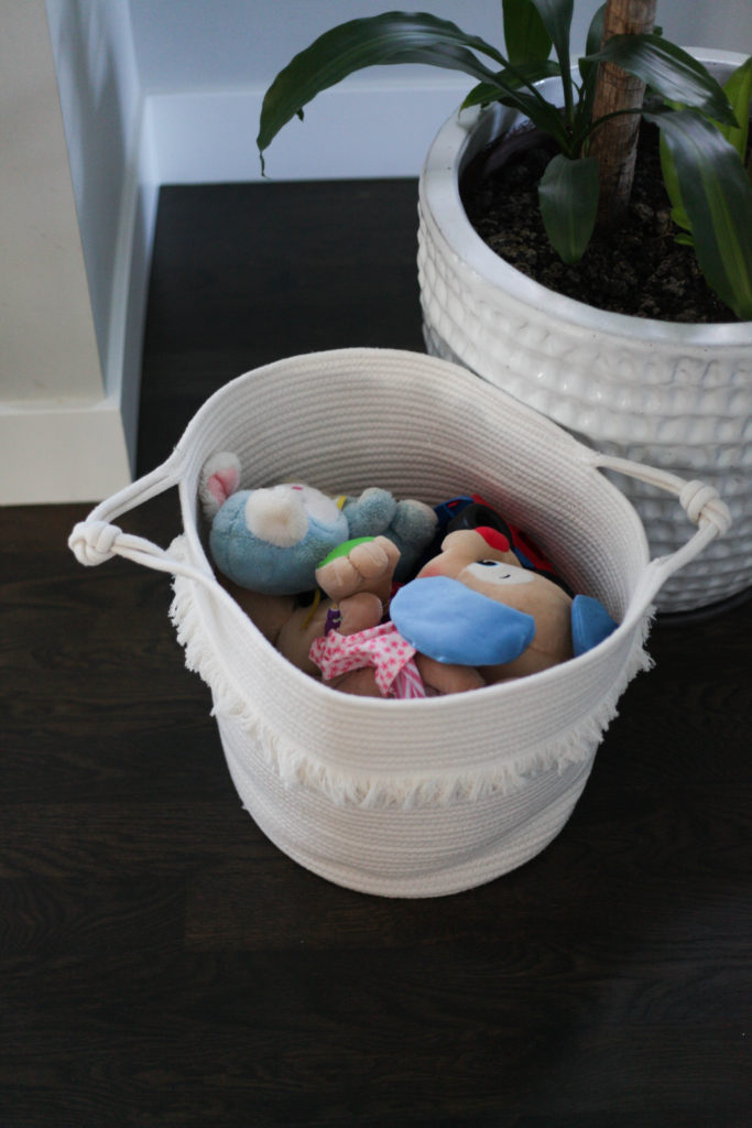 7 Mom Hacks - Keep toys in a few different bins that you rotate to keep toys fresh and like new. #momhack #momtip