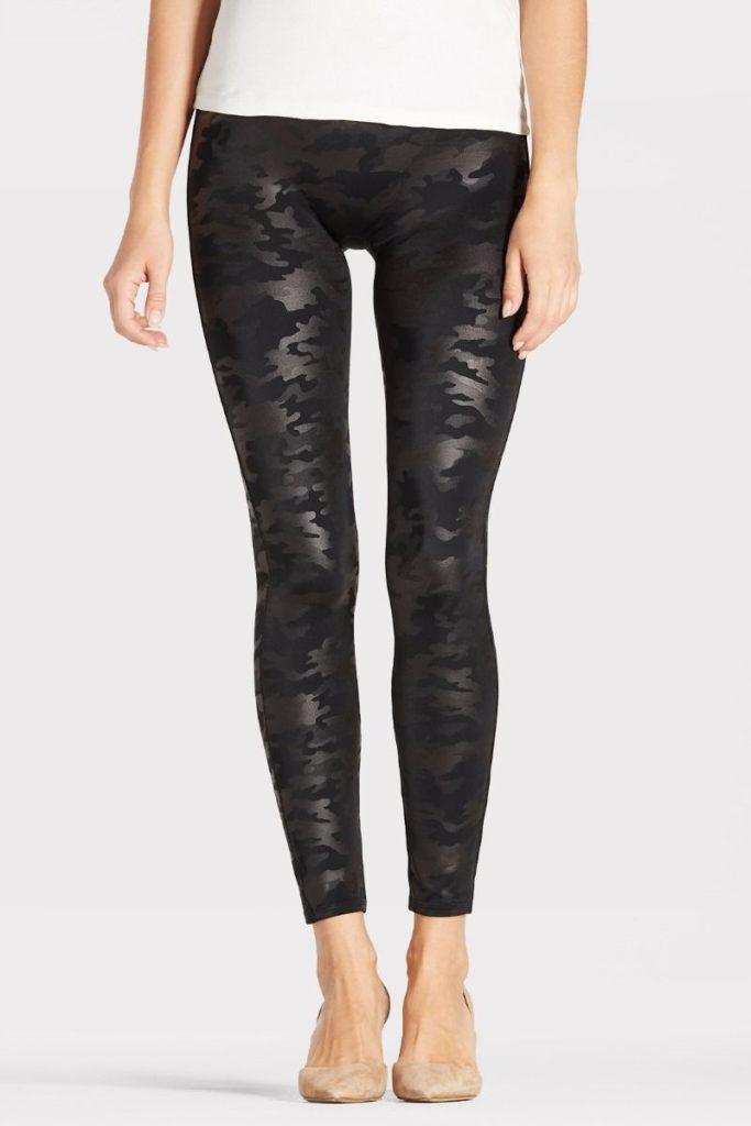 Spanx leggings from Trendsend box