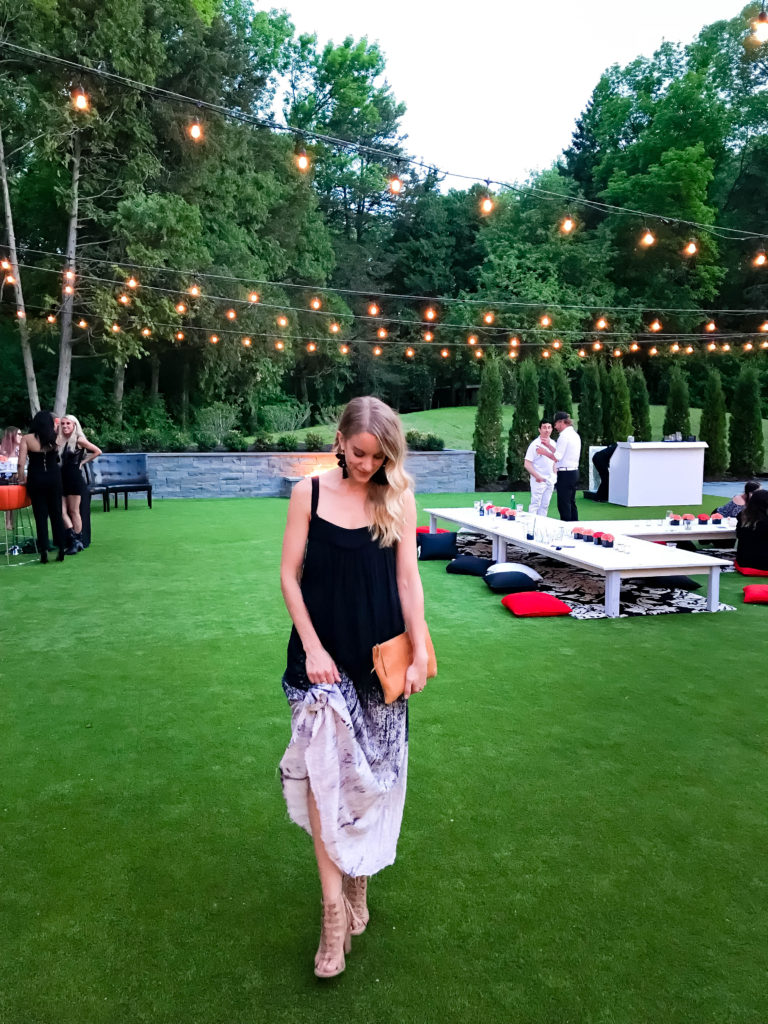 what to wear to a concert - 9 outfit ideas including maxi dresses!