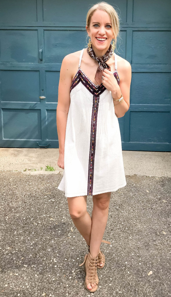 little white dresses are great options for concerts!