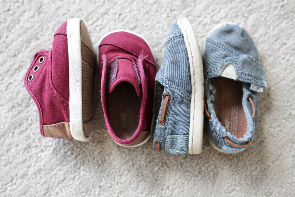Toms shoes give shoes to kids in need. Click through for more ideas of gifts that give back!