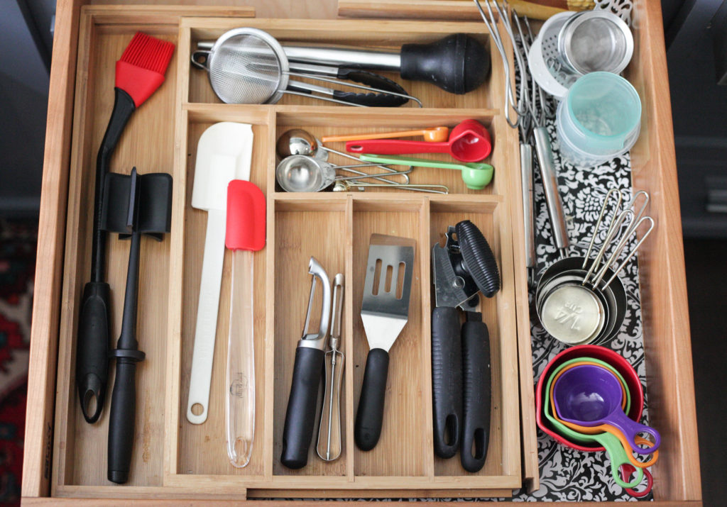 Kitchen drawer storage - home organization hacks