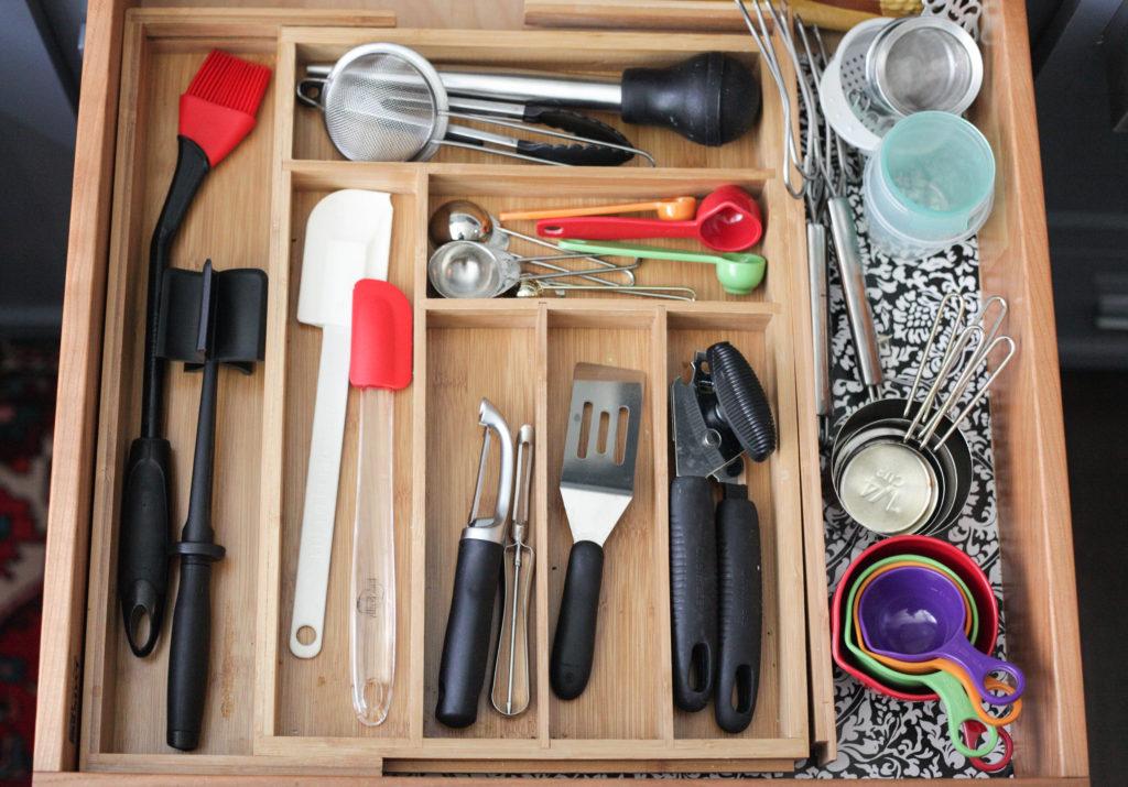 Kitchen drawer storage - home organization hacks
