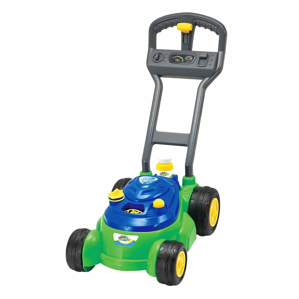 Keep your kids occupied while you mow the lawn with this bubble lawn mower! Click through for 14 more ideas for 3 year old boy gifts!