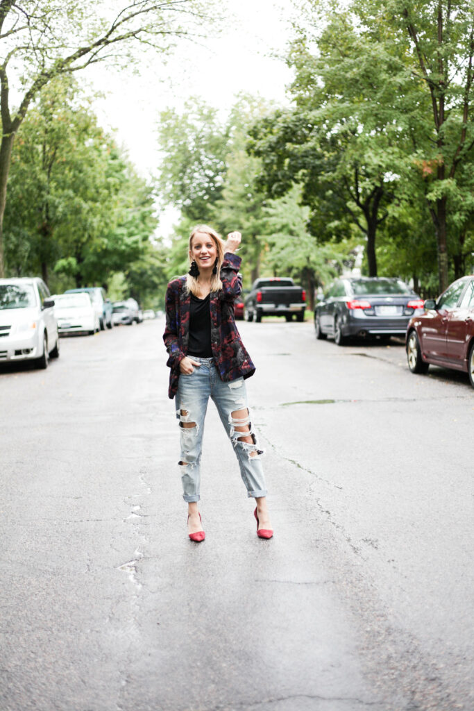 Tips for how to wear a blazer: paired with distressed denim + heels. Click through for more tips!