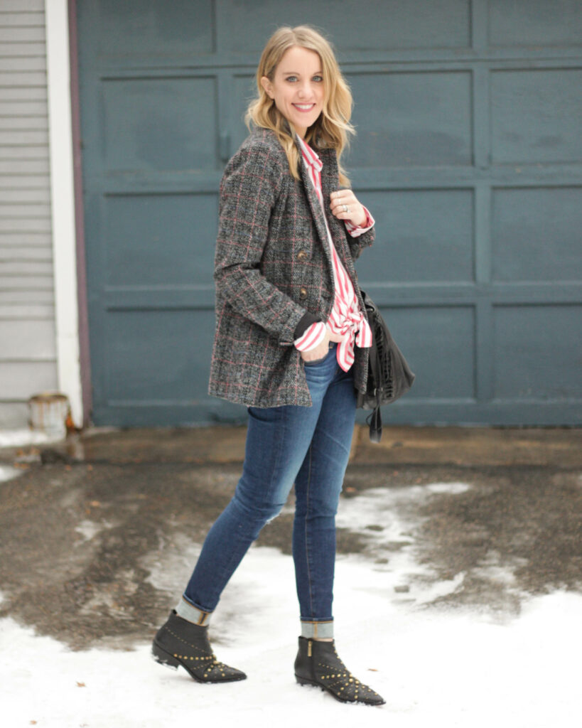 Tips for how to wear a blazer: with a colorful button down! Click through for more tips!