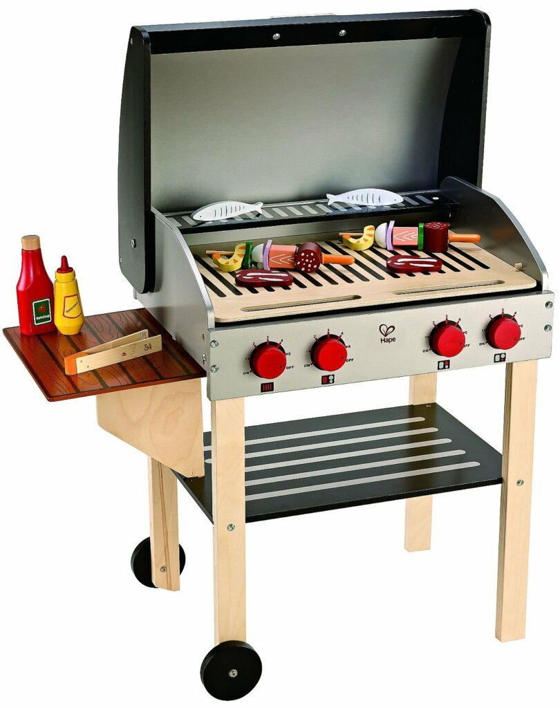 Let your kid grill next to mom or dad! Click through for 14 more ideas for 3 year old boy gifts!
