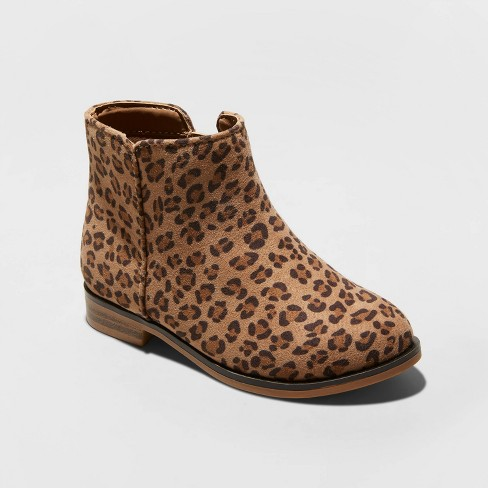 The cutest leopard boots for toddler girls