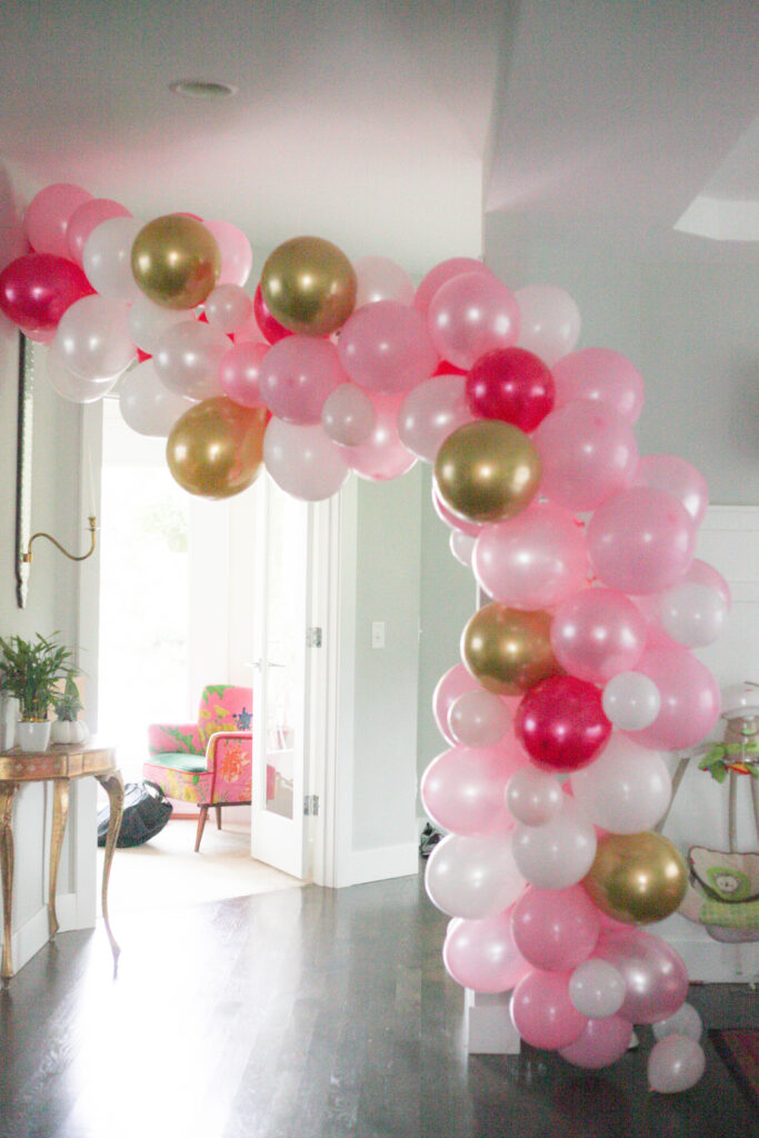 Pink, white and gold balloon garland!