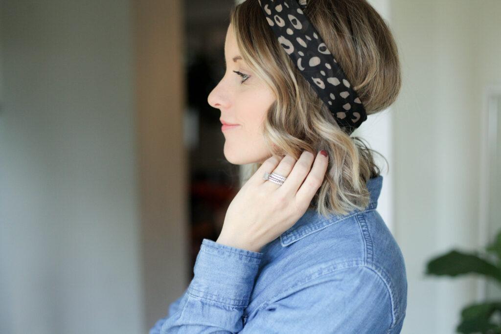 wrapping bandana in hair