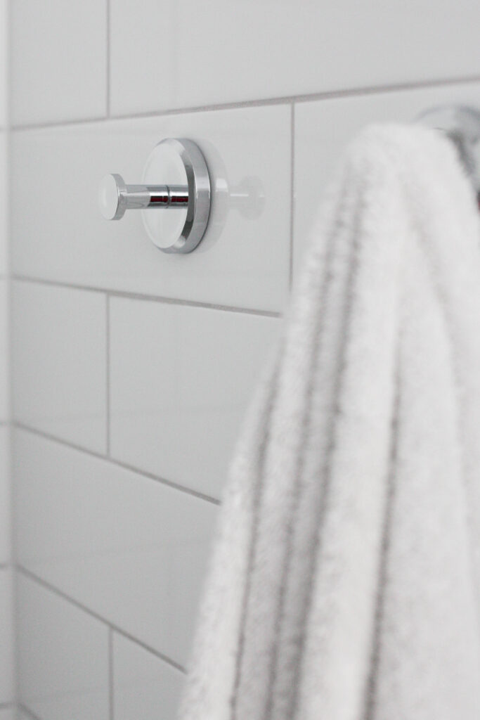 the best suction cup hooks for your shower