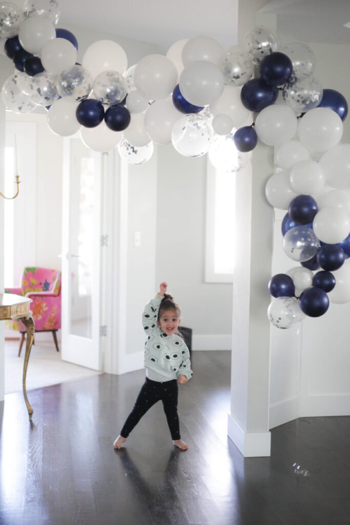 How To Make A Balloon Garland The Easiest Way Paisley Sparrow