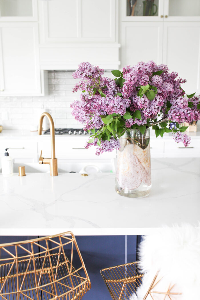 How to Keep Lilacs from Wilting After Cutting