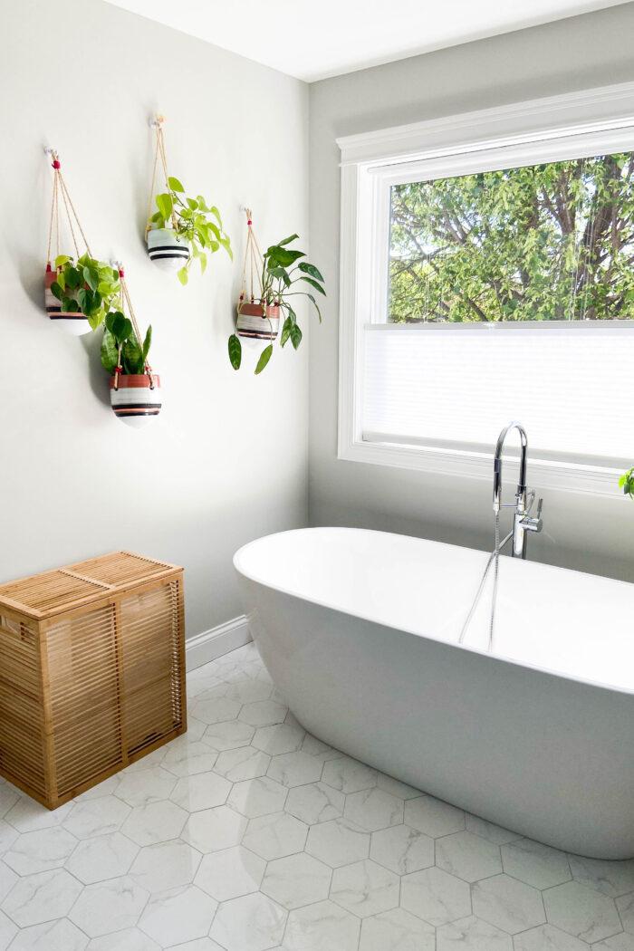 How to Organize Bathroom + Linen Closet
