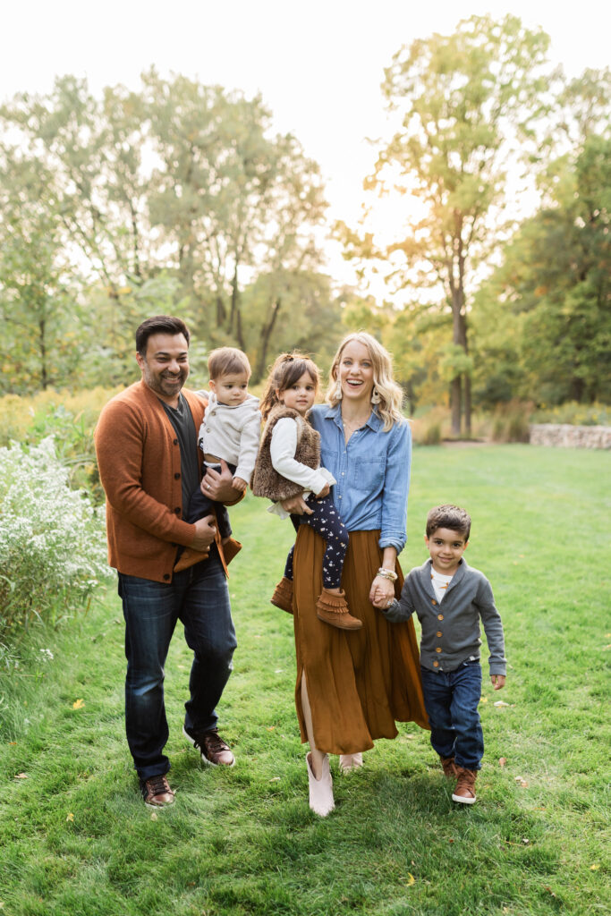 the Best Family Photo Outfits Tips, Tricks + Ideas