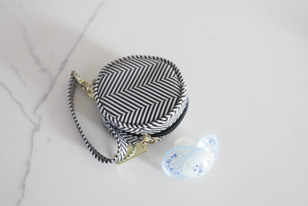 pacifier and pacifier bag for your diaper bag
