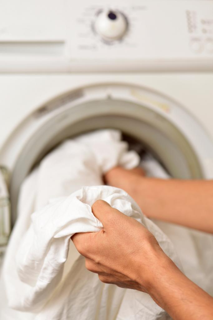 How to Wash Silk Pillowcases in washing machine